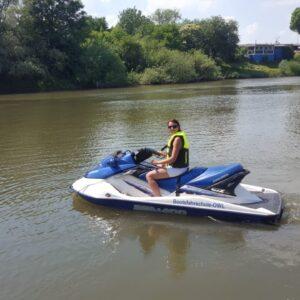 Jetski fahren auf der Weser