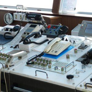 Funkausruestung im Boot