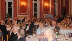 Samvær med nye og gamle venner og bekendte, god mad og interessante foredrag og udflugter - det er Borgerforeningen Flensborg