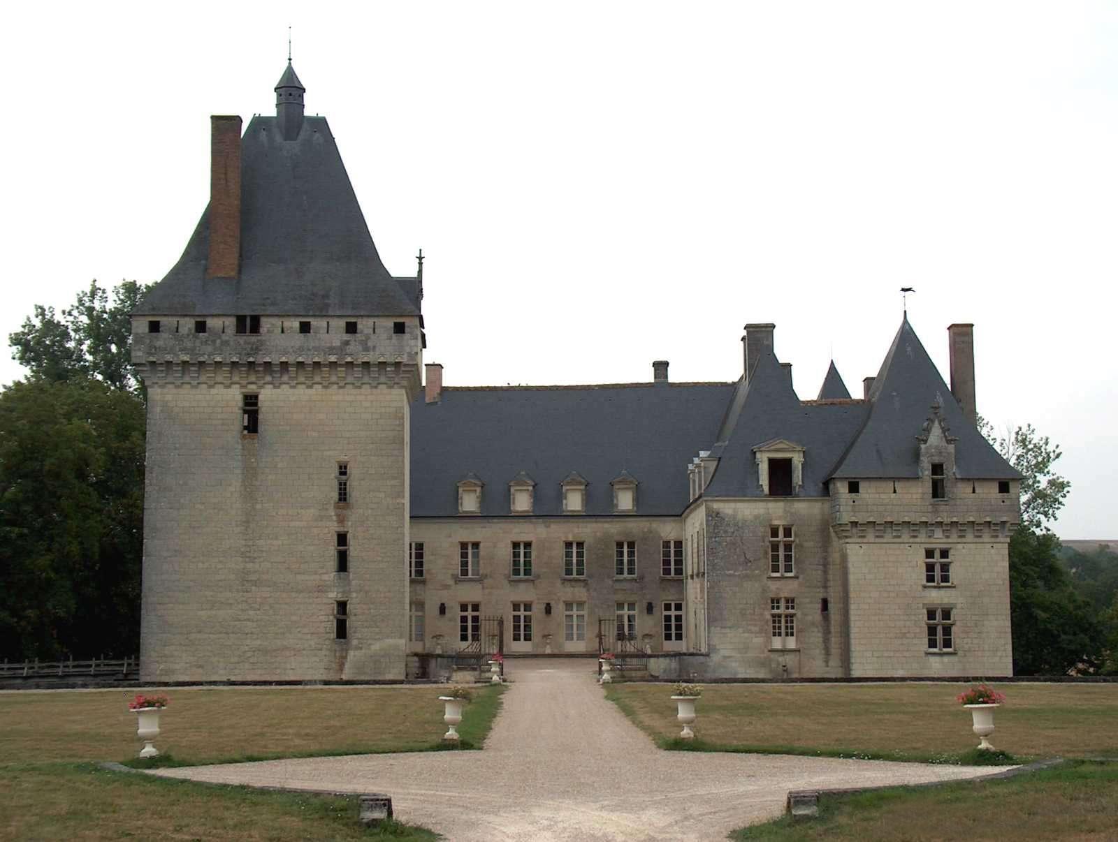 chateau-de-isle-savary1