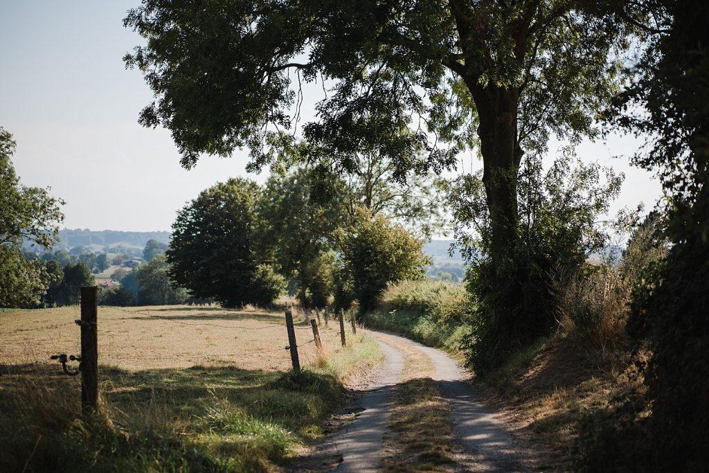 Le sentier de l'étrange à Ellezelles avec Totemus 53
