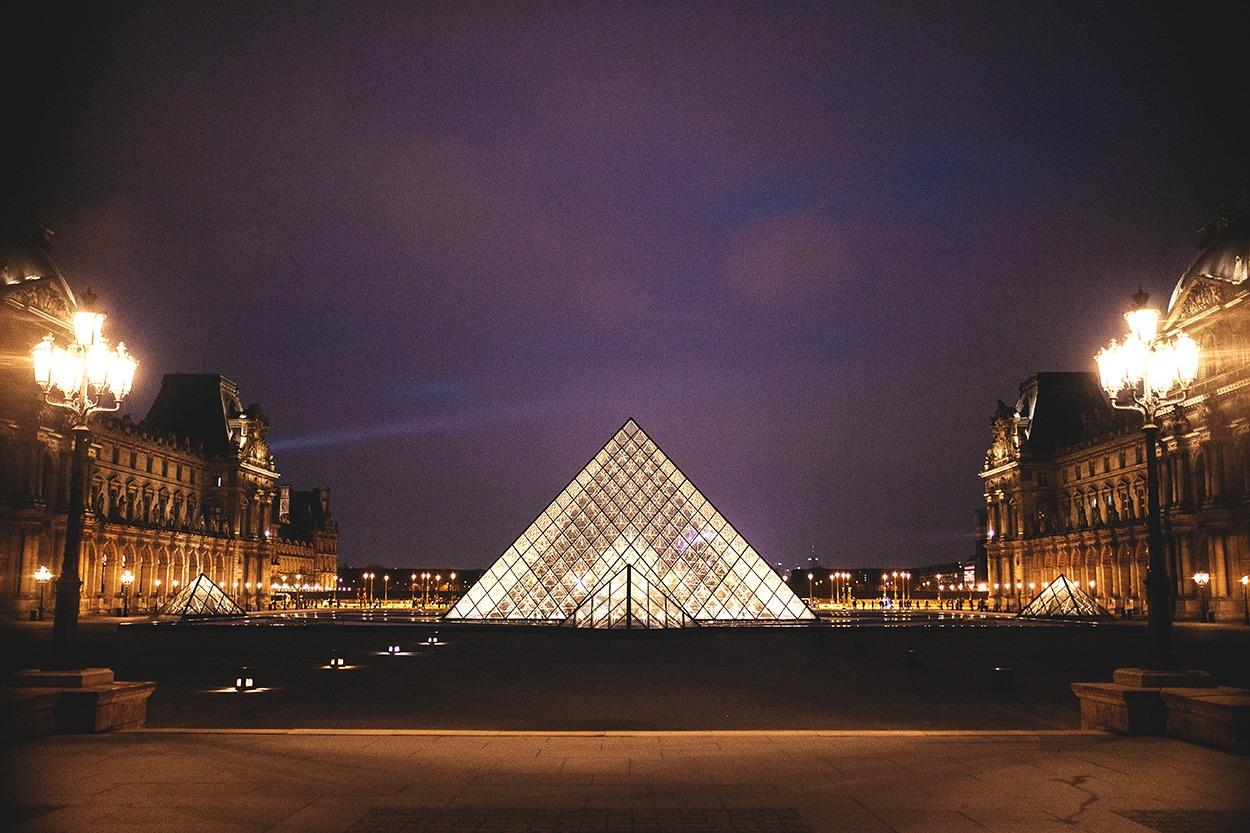 Séjour amoureux à Paris louvre