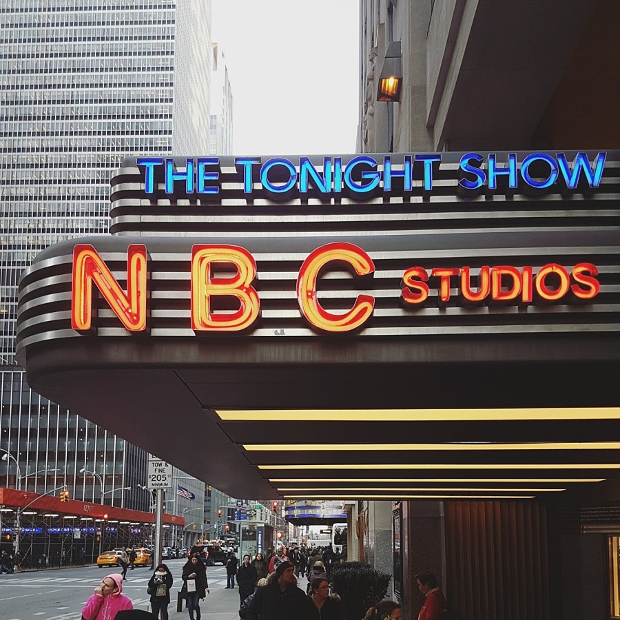new york nyc Manhattan nbc news friends