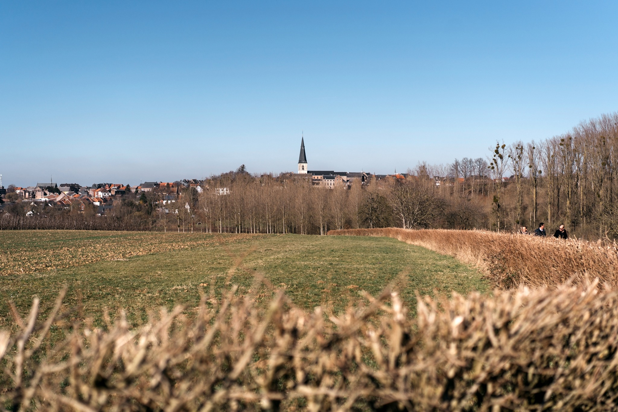 Eglise transparente insolite Looz Limbourg Belgique reading between the lines randonnée en famille