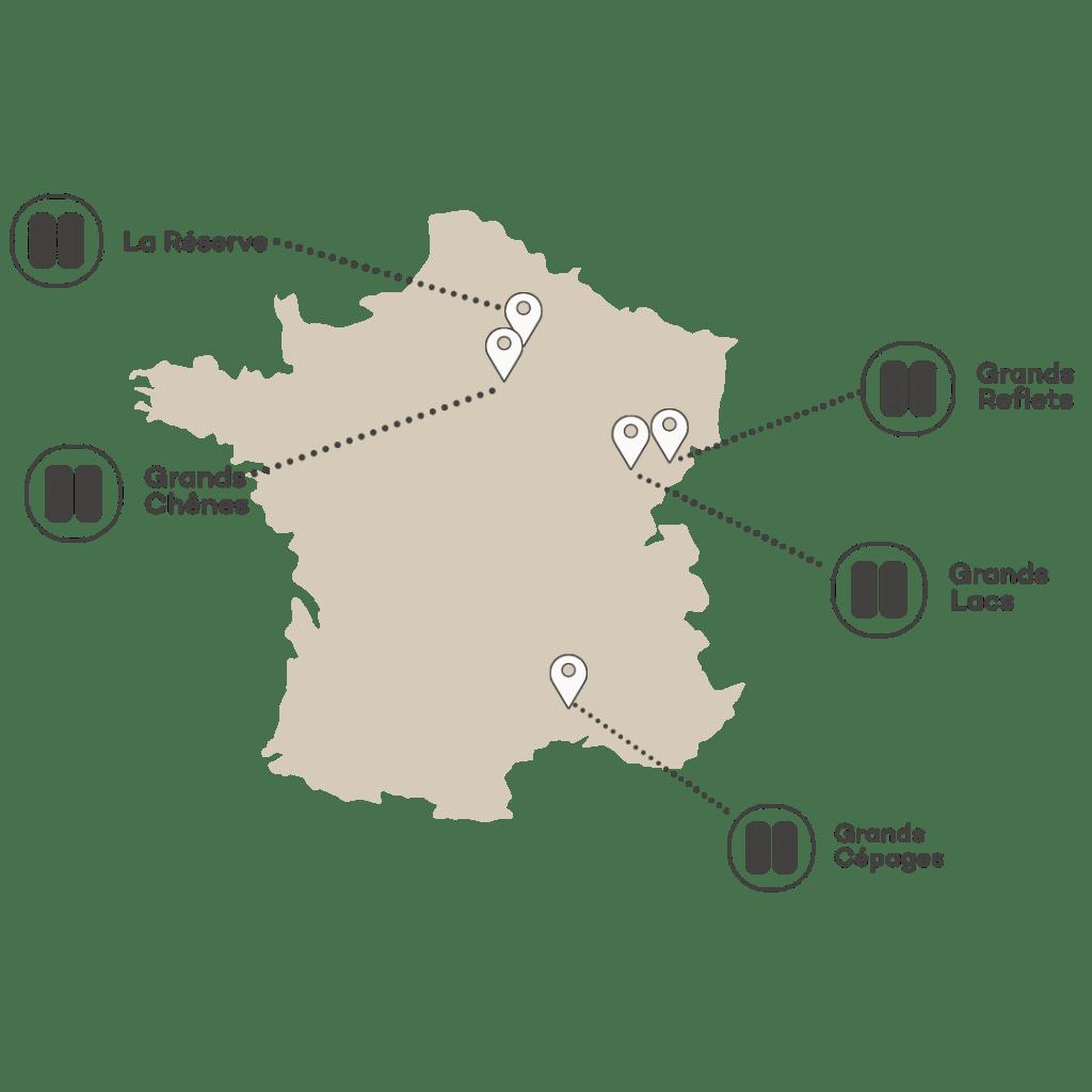 Domaine Coucoo Cabanes Grands chênes logement insolite France