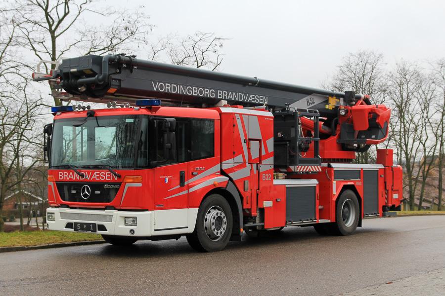 Metz redningslift - den ene af kun to i Danmark. Denne på Mercedes-Benz Econic chassis. Foto: Tony Frimodt