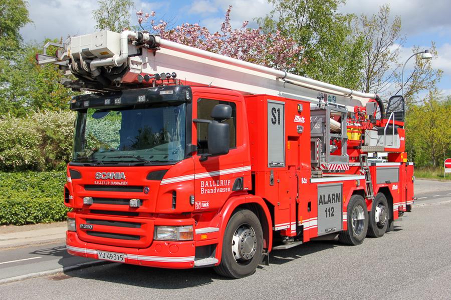 S1, Metz redningslift på Scania P310 chassis. Foto: Henning Svensson