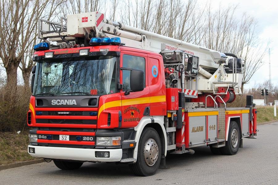 Bronto redningslift med det klassiske Vestegnens Brandvæsen design. Foto: Tony Frimodt