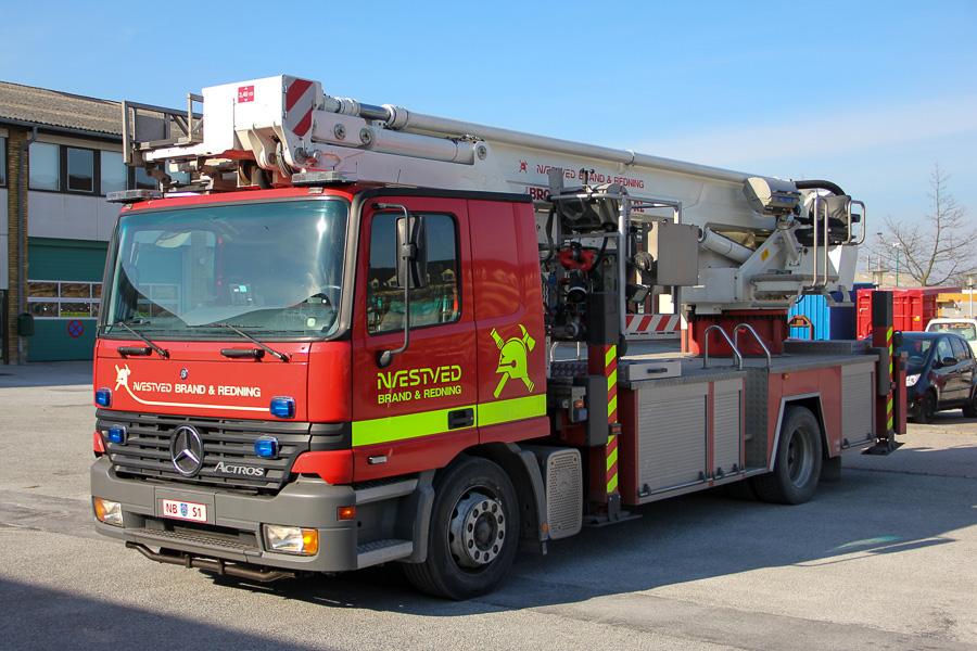Næstved S1, brandvæsenets højderedningskøretøj. Bronto redningslift på Mercedes-Benz Actros chassis. Foto: Henning Svensson