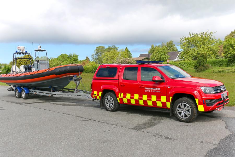 VW Amarok bårtrækker med båd i Gilleleje. Foto: Henning Svensson