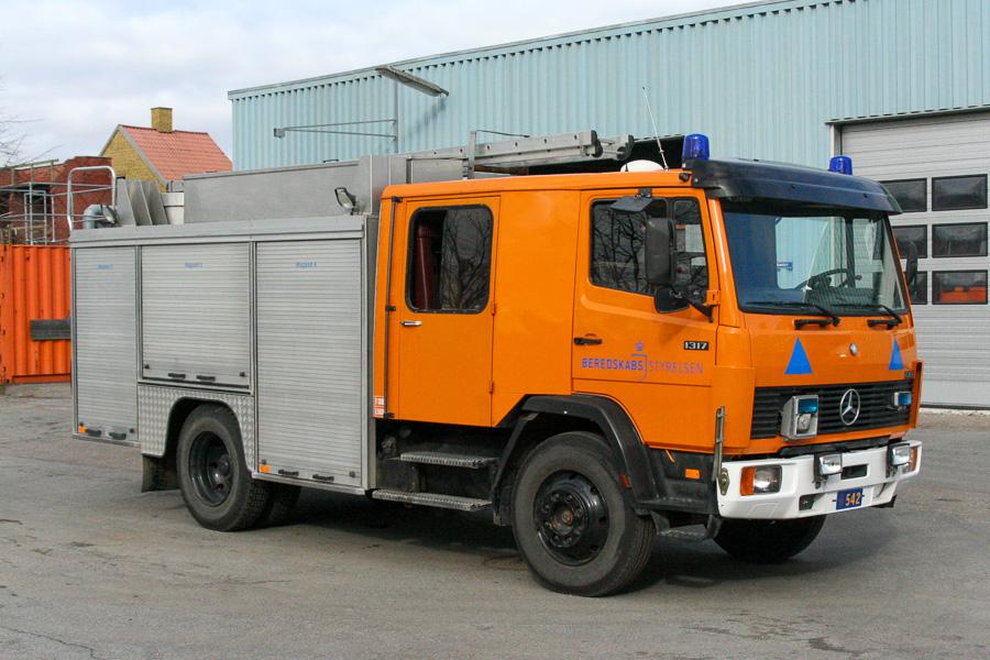 Mercedes-Benz 1317 autosprøjte med BrontoSaurus opbygning. Ex. Roskilde Brandvæsen. Foto: Henning Svensson