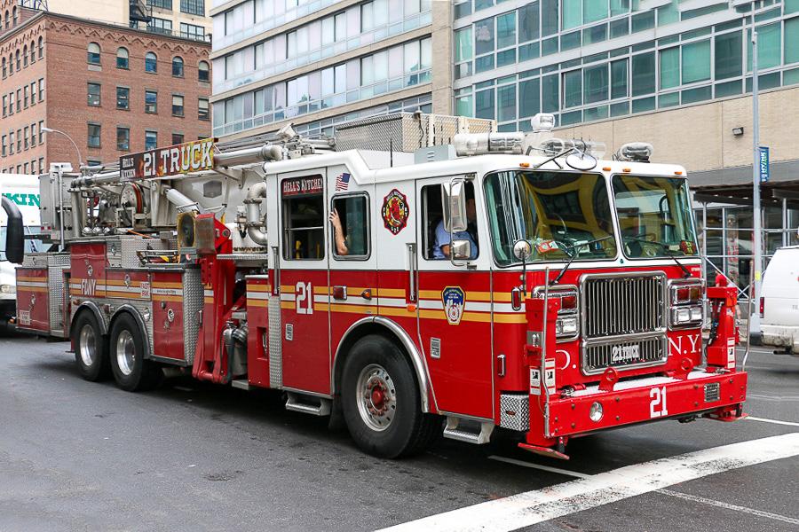 Truck 21 - i mange amerikanske brandvæsener kaldes stigekøretøjer for trucks. Foto: Henning Svensson