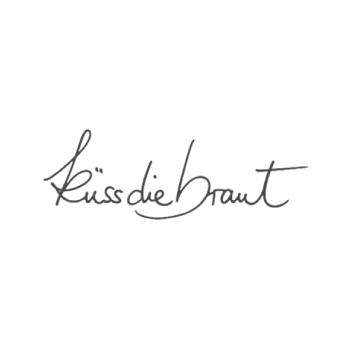 Brautmode-Dortmund---Brautstudio-Timm-Hochzeitskleider-NRW-Küss-die-Braut-Brautmode-Kamen