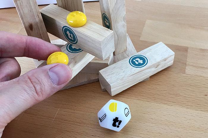 Gelber Spielstein blockiert den ganzen Klotz.
