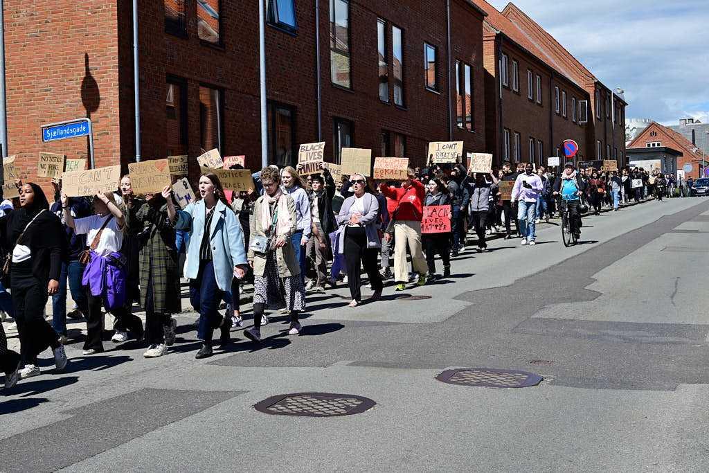 Fire teenagere arrangerede Black Lives Matter-demonstration i Viborg