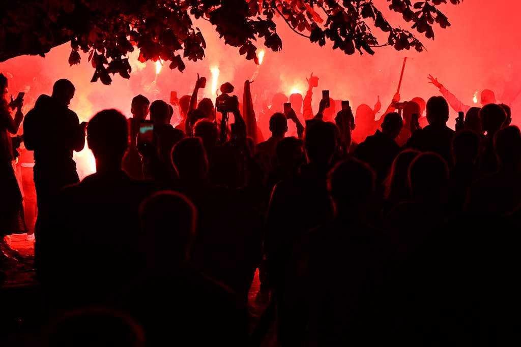 AGF-fans fejrer bronzemedalje på Rådhuspladsen