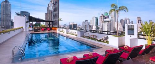 Furama Silom-pool