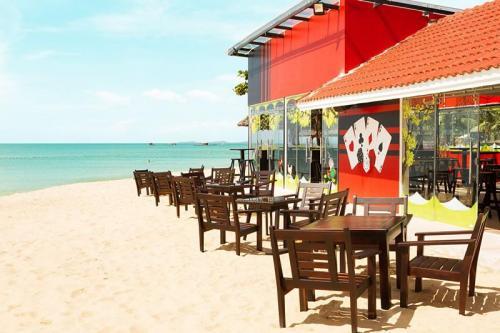 Mercury Beach bar