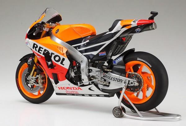 Tamiya 14130 Tamiya Honda Repsol RC213V 2014 champion.