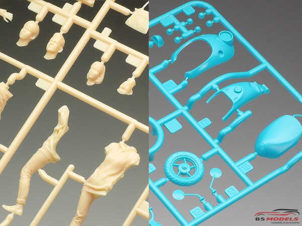 TAM24356 Campus Friends Set II Plastic Kit