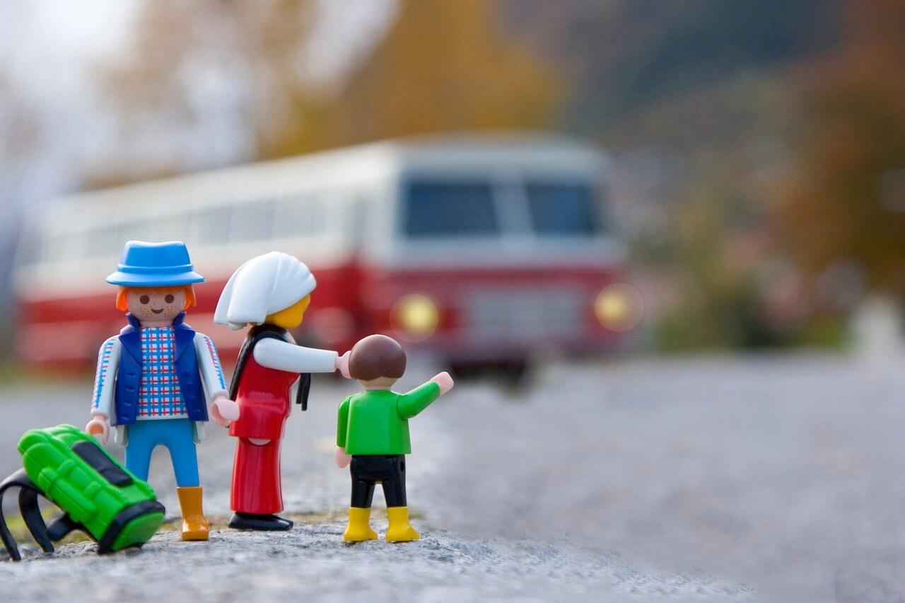 Schulklasse mietet Bus im Internet