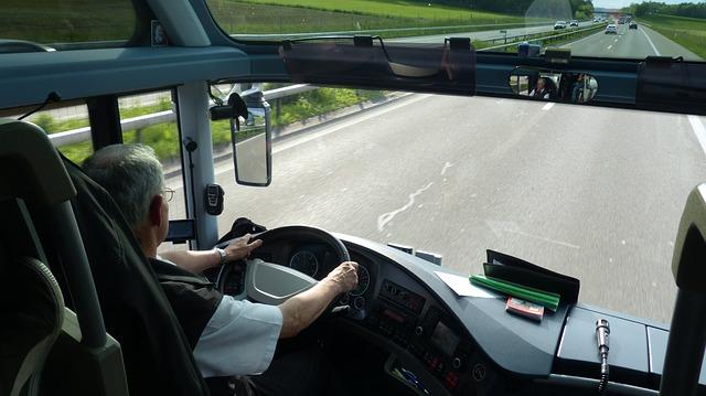 Bus mit Fahrer mieten