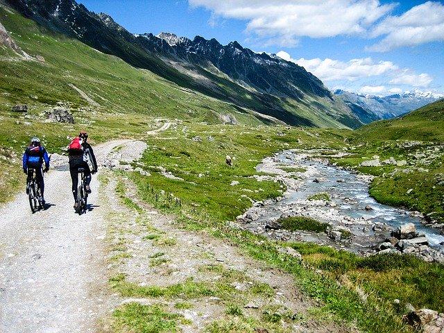 Bustransfer-mit-dem-mountainbike
