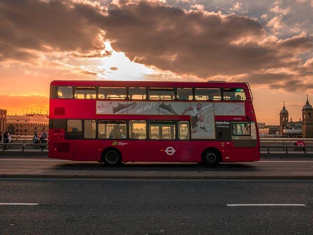 Sightseeing-mit-dem-Shuttlebus