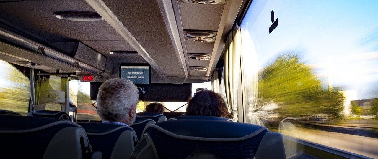 Bus-mieten-mit-20-personen