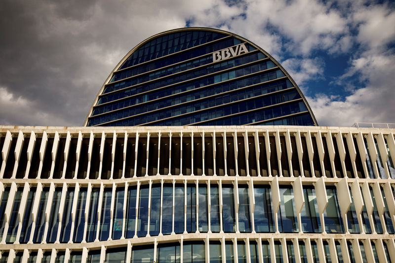 © Reuters. FILE PHOTO: The headquarters of the Spanish bank BBVA in Madrid
