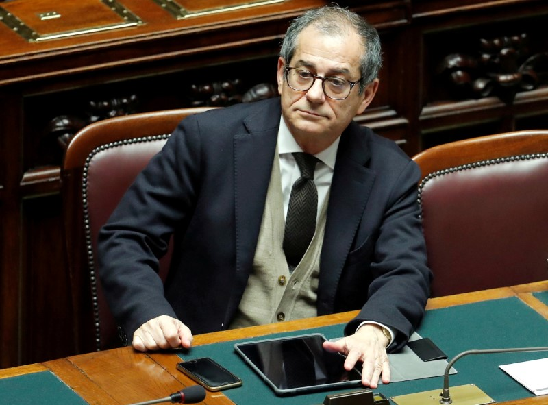 © Reuters. FILE PHOTO: Italian Economy Minister Giovanni Tria attends a final vote on Italy's 2019 budget law at the Lower House of the Parliament in Rome