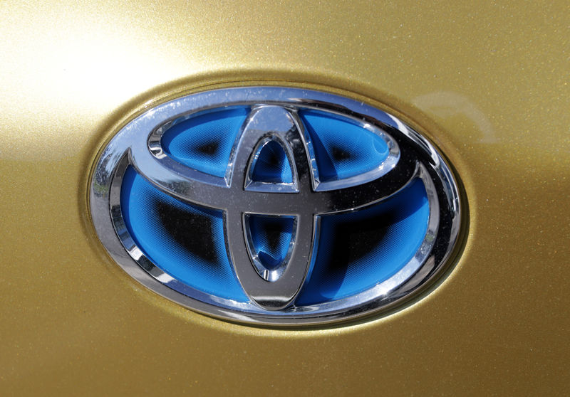 © Reuters. The logo of Toyota carmaker is seen on a car in Nice