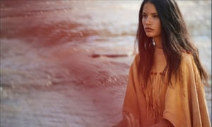 In Dior's Sauvage ad, featuring Johnny Depp, Tanaya Beatty, a Canadian actor of First Nations descent follows Depp from a distance.