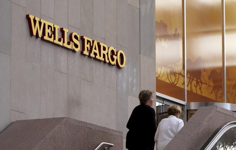 © Reuters.  Wells Fargo former interim CEO Allen Parker to step down as general counsel