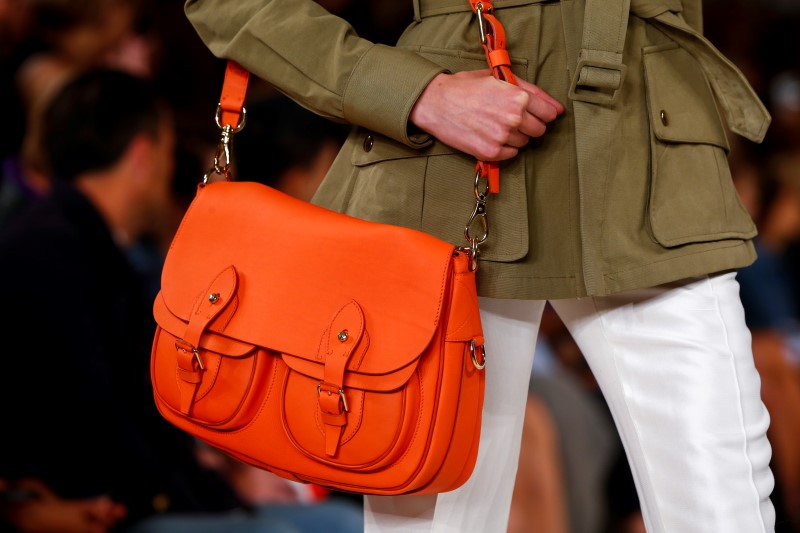 © Reuters.  Stitch Fix Spikes as Analysts See Upside From Direct Buy Program