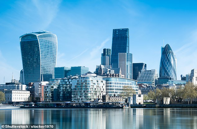 The FTSE rose 156.75 points to 6115.25, closing above the 6000 mark for the first time since early March, despite data showing the US economy shrank 4.8 per cent in the first quarter