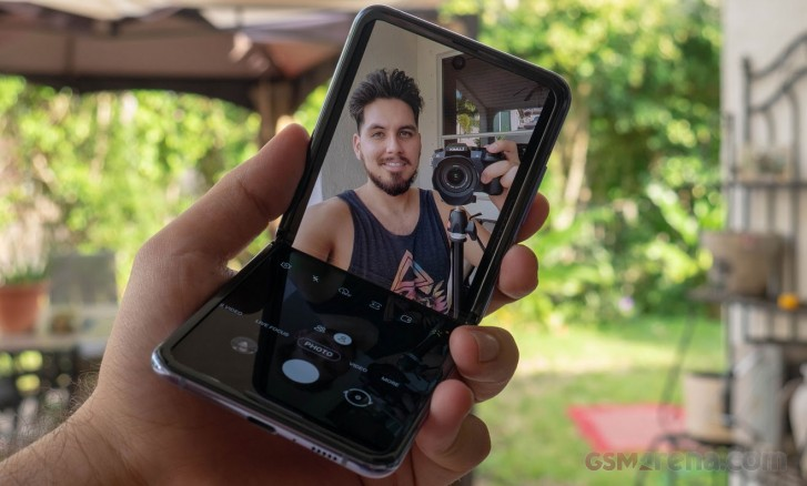 DxOMark not impressed with the Samsung Galaxy Z Flip's selfie camera