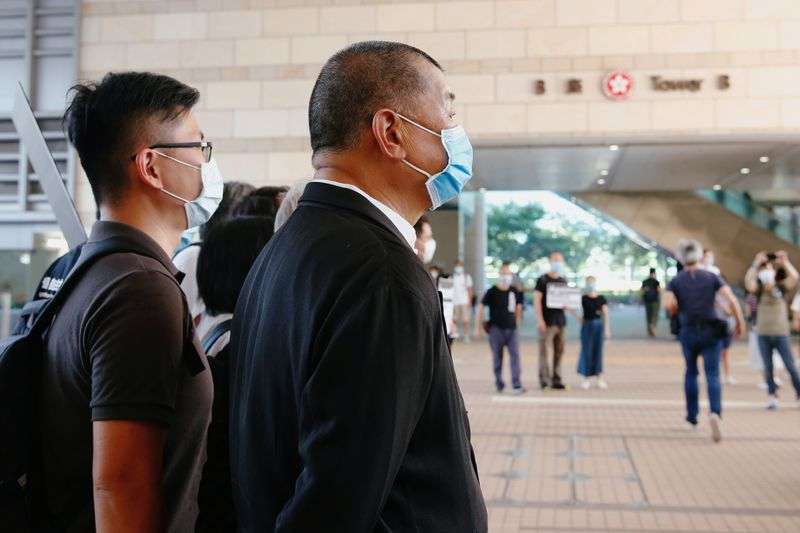 © Reuters. Pro-democracy media tycoon Jimmy Lai arrives at the West Kowloon Courts, in Hong Kong