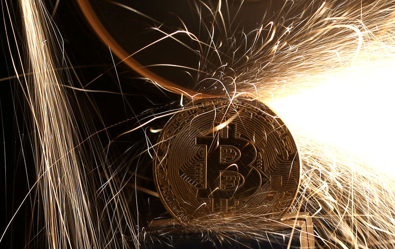 © Reuters.  Bitcoin Climbs 10.12% In Rally