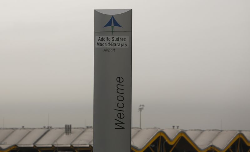 © Reuters. The logo of Spanish airports operator Aena is seen on the top of a welcoming sign outside Adolfo Suarez Barajas airport in Madrid