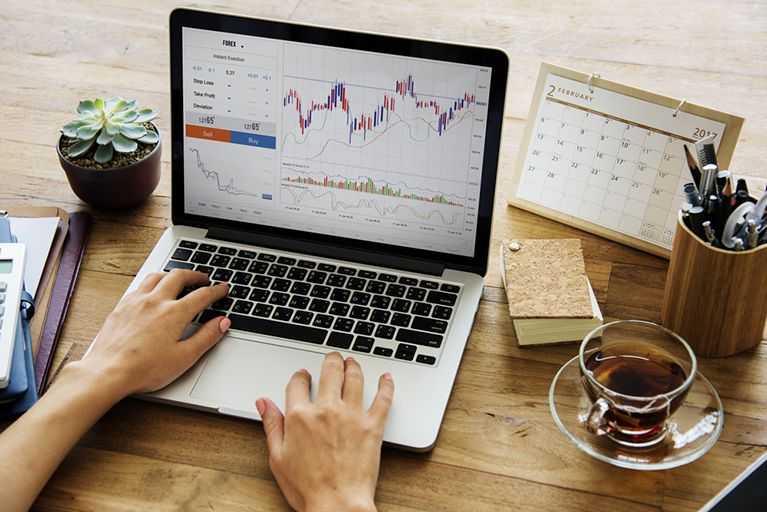 Finding the Best Corporate FX Desk to Serve You in These Volatile Times