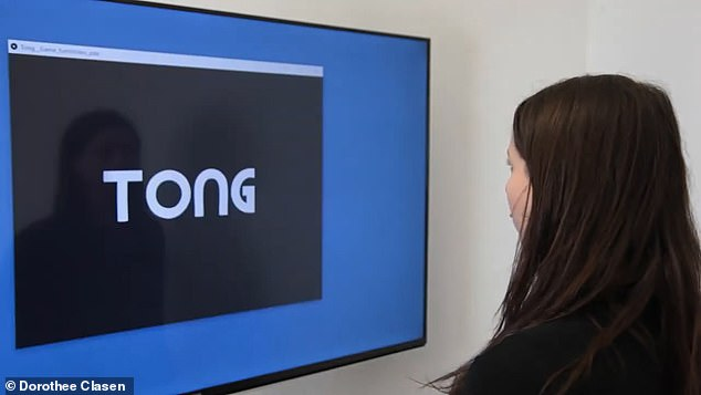 To test the device, Clasen setup the game ¿tong¿ that is based on one of the most iconic games ever to be released ¿ pong