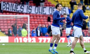 Leighton Baines warms up before the April 2016 match at Watford, where the fans made their position known in the spat with the manager Roberto Martínez.