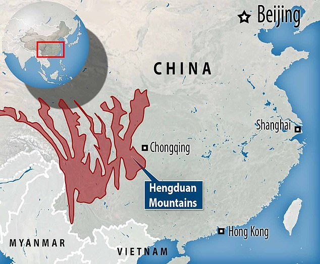 Hengduan Mountains includes a complex of ridges and river valleys spanning almost 40,000 square miles