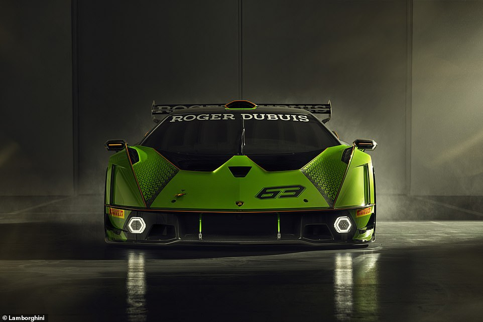 The specially-crafted aero pack on the Essenza SCV12 combines together to produce more downforce than a GT3 racer