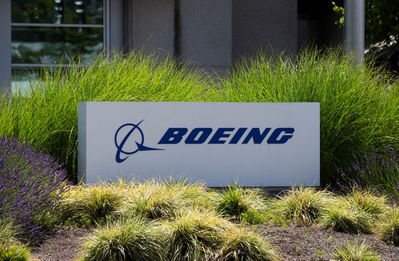 © Reuters. FILE PHOTO: Signage of The Boeing Company in Seattle