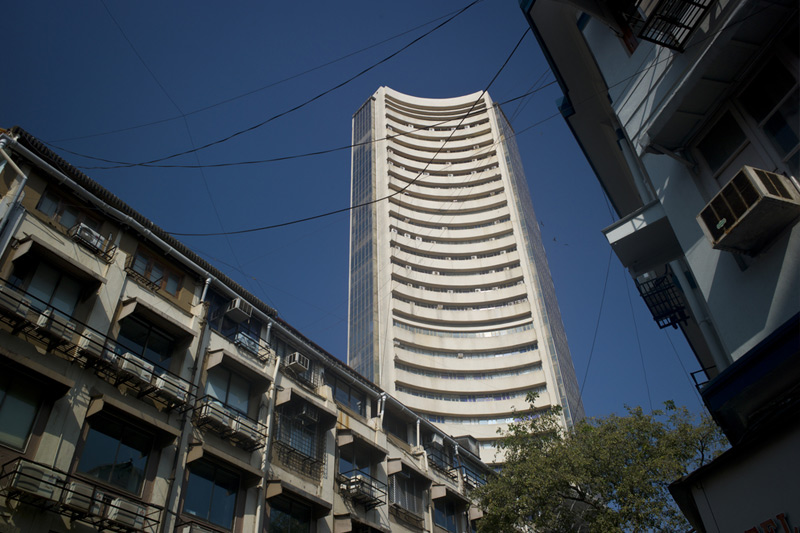 India shares lower at close of trade; Nifty 50 down 1.08%
