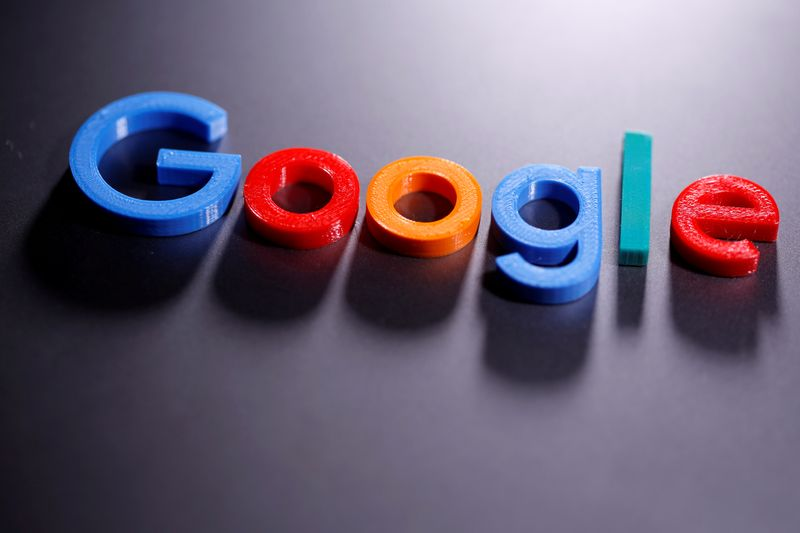 © Reuters. FILE PHOTO: A 3D printed Google logo is seen in this illustration taken