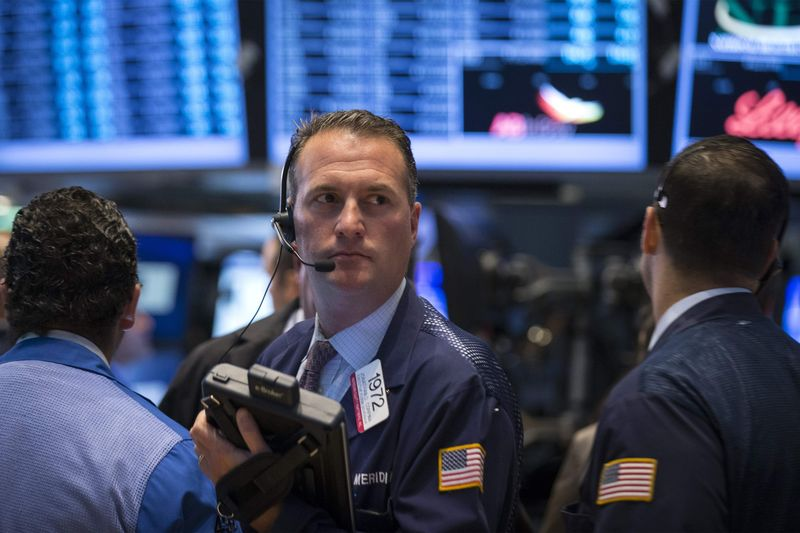 © Reuters. U.S. shares higher at close of trade; Dow Jones Industrial Average up 1.39%
