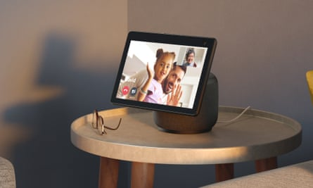 The 2020 Echo Show 10 is a smart display with a motorised screen that can follow you around while you interact with it.